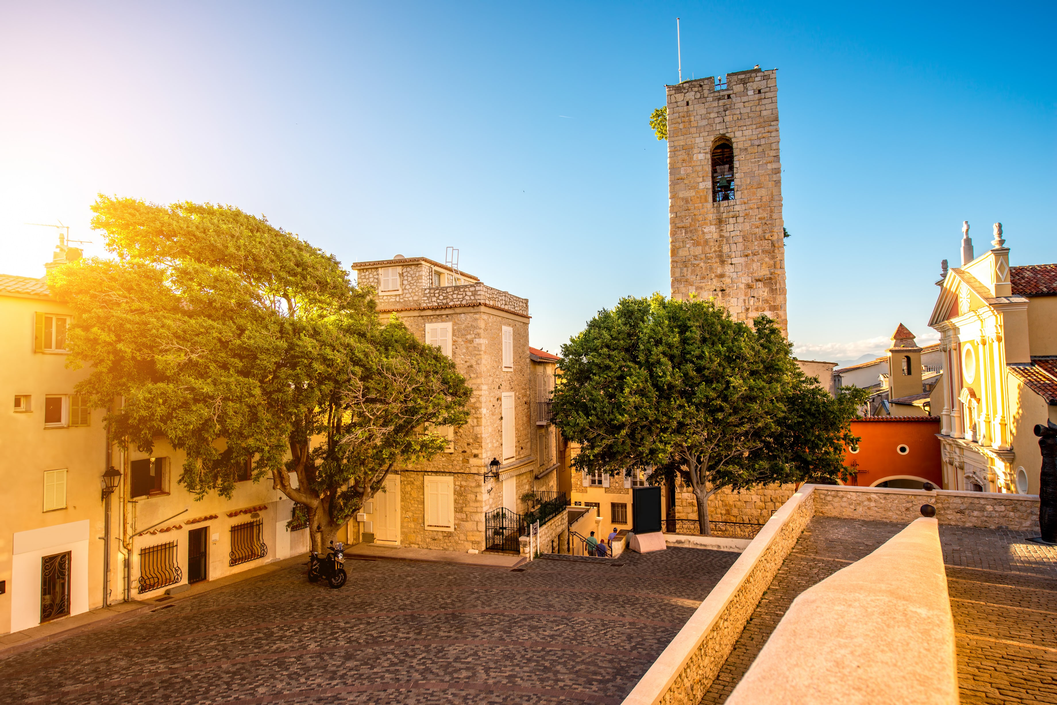 antibes-free-walking-tour-min